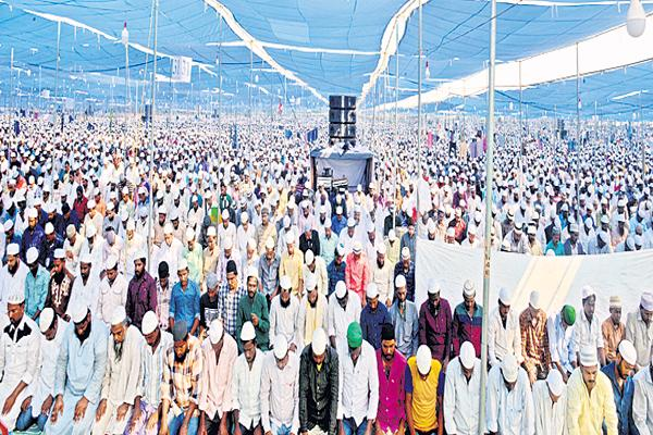 Mass weddings On the second day in Istema - Sakshi