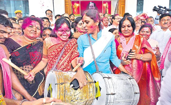 TRS Party Win In Telangana Assembly Elections - Sakshi
