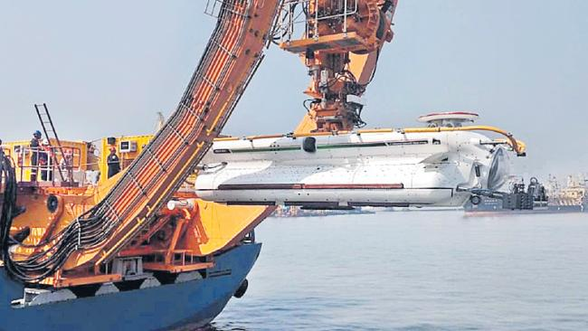 Navy inducts deep submergence rescue vehicle, to get one more - Sakshi