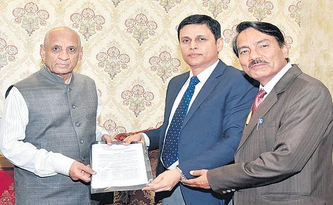 Telangana MLAs List To Governor - Sakshi