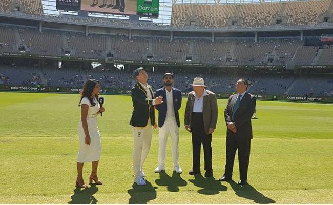 Australia Have Won The Toss And  Choose Bat First - Sakshi