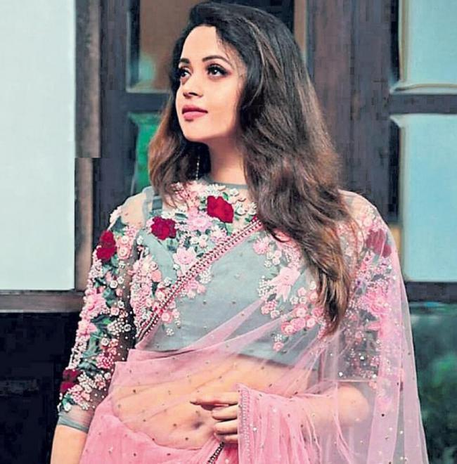Bhavana to play Trisha's role in Kannada remake of '96' - Sakshi