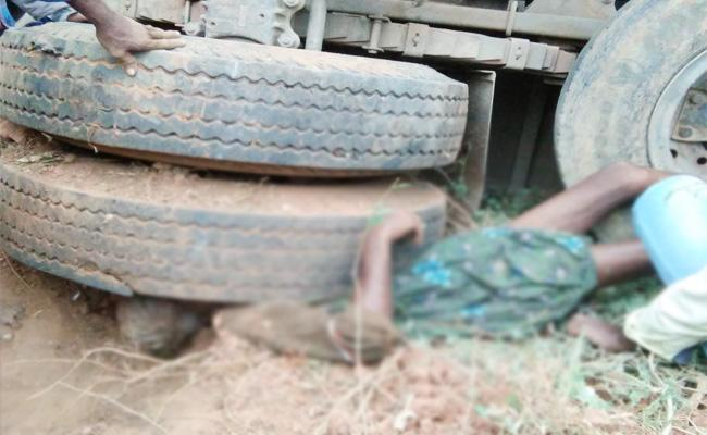 Lorry Roll Obered in Visakhapatnam - Sakshi