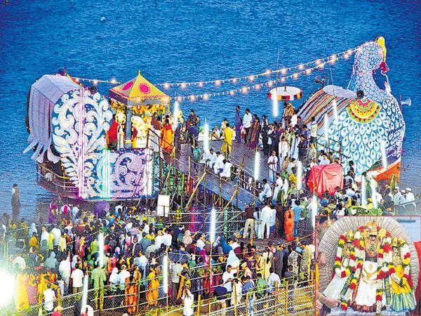 Pethai blow to the Badrachalam fest - Sakshi