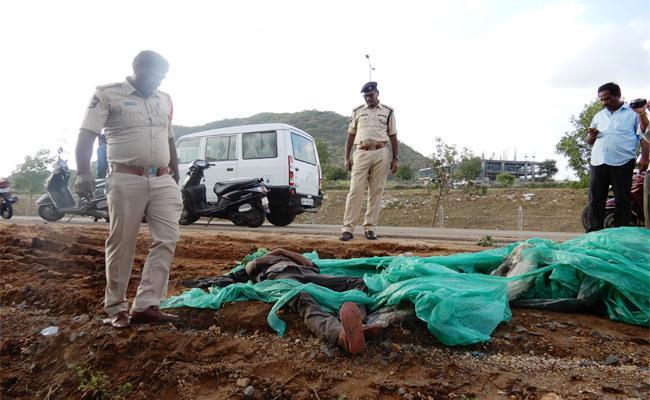Dead Body Faund in Plastic Cover Guntur - Sakshi