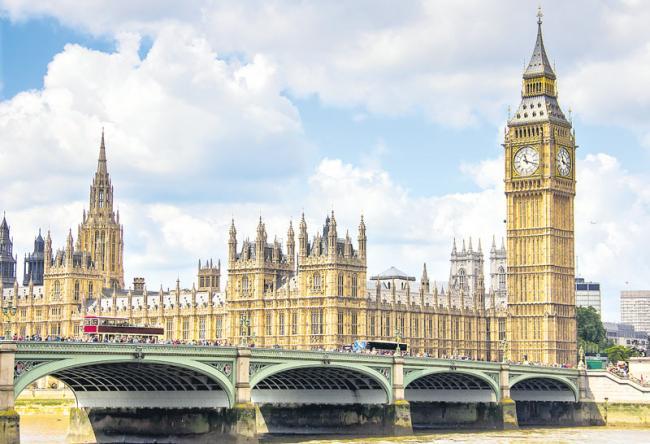 UK new visa strategy to benefit Indian techies, students - Sakshi