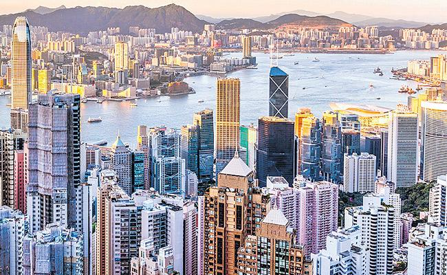 The most expensive city in the world is Hong Kong - Sakshi