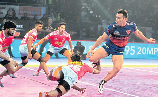 Jaipur Dabang to draw Delhi match - Sakshi