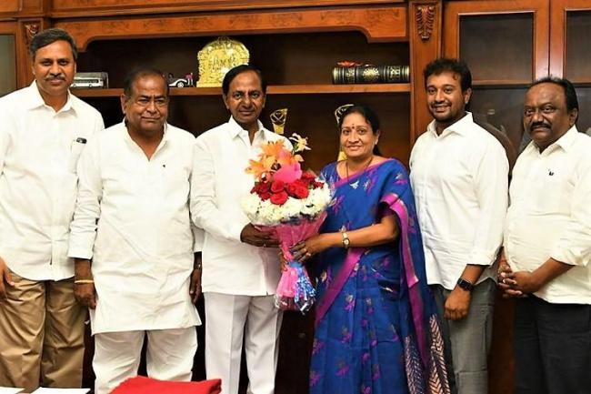 MLC Akula Lalitha Meets Her Supporters In Nizamabad - Sakshi