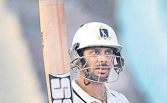 Ranji Trophy:manoj tiwari get the fifty - Sakshi