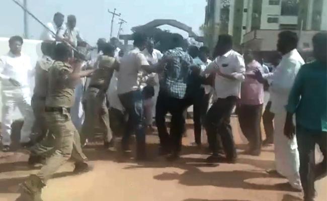 TDP Leaders Clash In Rajupalem Proddatur - Sakshi