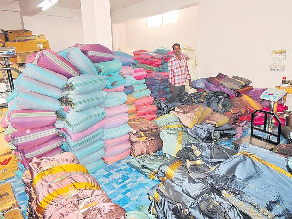 Employment for weavers workers - Sakshi