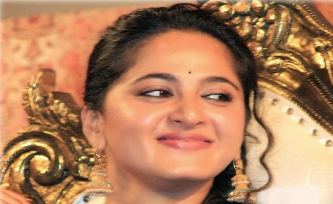 Kona Venkat Revealed Anushka New look - Sakshi