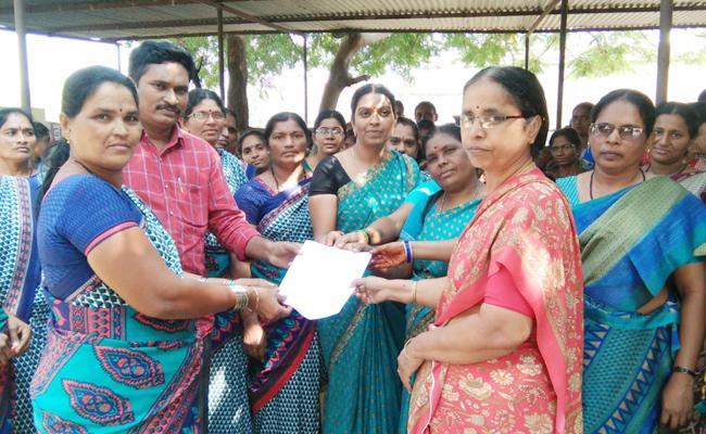 Wages Shortage in Anganwadi Centres - Sakshi