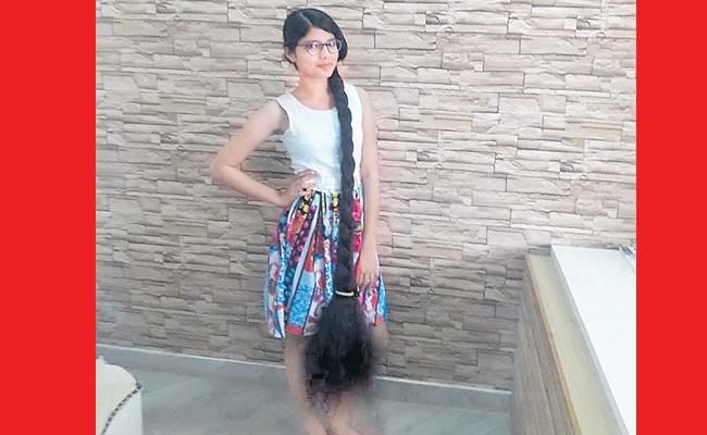 Nilanshi Patel sets Guinness World Record for Longest hair  - Sakshi