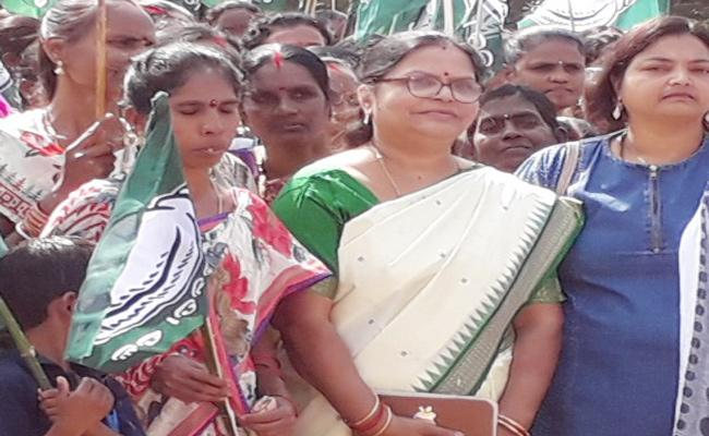 Indhira Nando Political Entry Soon in Odisha - Sakshi