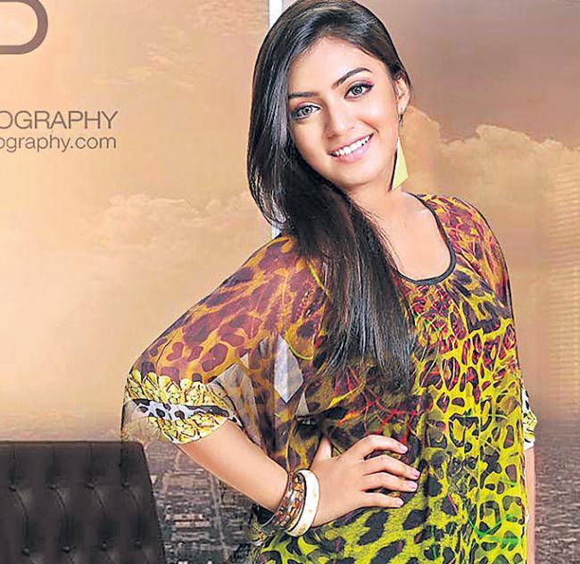 Nazriya Nazim making a comeback with Pink Tamil remake - Sakshi