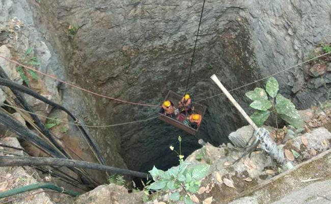 Editorial on 15 Labourers Trapped In Meghalaya Coal Mine - Sakshi