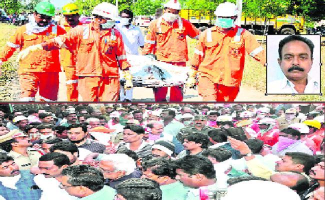 Singareni Employee Died In Underground Mine In Bhupalpally - Sakshi