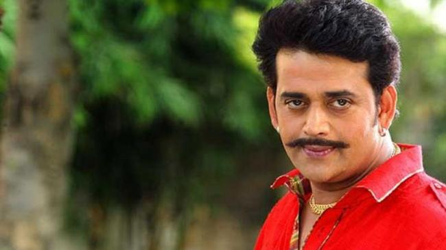 Ravi Kishan Duped Of Over One Crore By A Ralty Firm - Sakshi