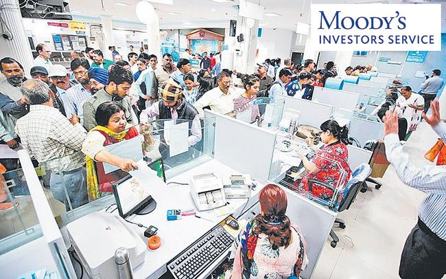Outlook on Indian banks stable: Moodys - Sakshi