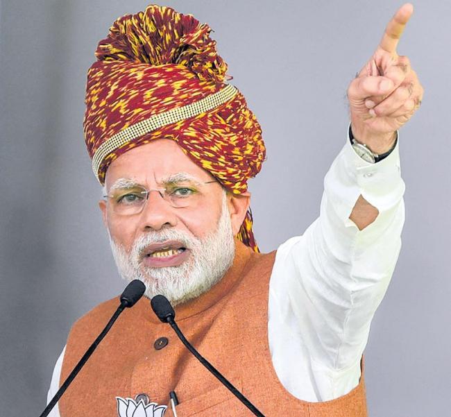 Narendra Modi slams Rahul Gandhi on Hindu jibe - Sakshi