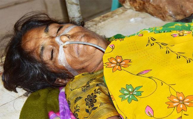 Suicide For Marriage Debts In Warangal - Sakshi