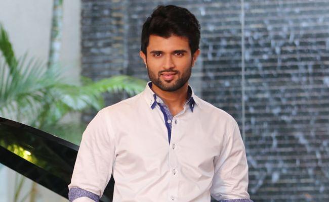 Vijay Devarakonda Bollywood Entry Confirmed - Sakshi