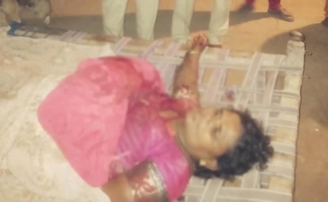 Husband Killed Wife In Prakasam - Sakshi