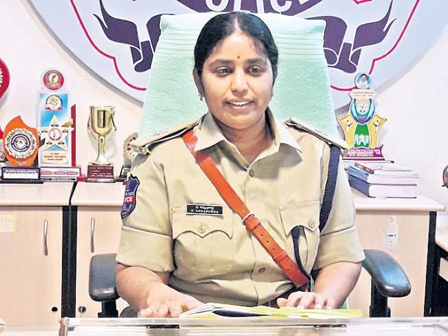 EC Transfers Vikarabad SP Annapurna Over Revanth Reddy Arrest Process - Sakshi