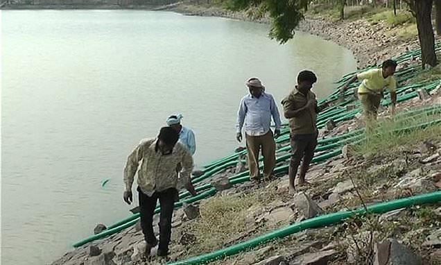 Villagers Draining Lake In Karnataka Over HIV Threat - Sakshi