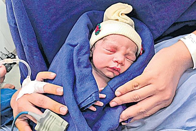 Brazilian baby is first born using uterus from deceased donor - Sakshi