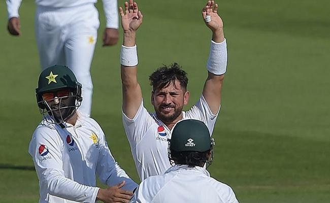 Yasir Shah fastest to 200 Test wickets, breaks 82 year record - Sakshi