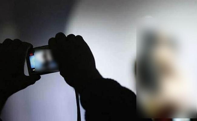 Kerala Woman Fighting For Wrong Attribution To A Nude Video - Sakshi