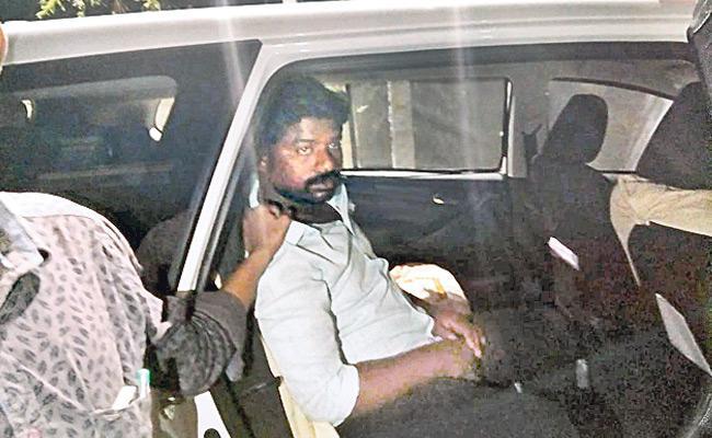 Telangana Elections Police Recover 17.5 Lakhs Money Seized Kukatpally - Sakshi