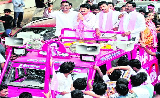 Tellam Venkat Rao Campaign In Bhadrachalam - Sakshi