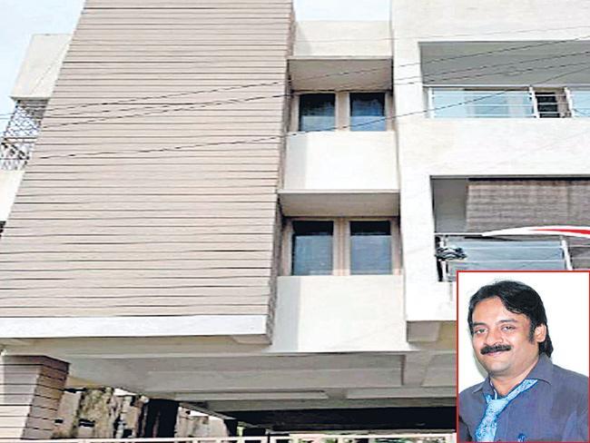 Spy cameras found in Chennai womens hostel - Sakshi