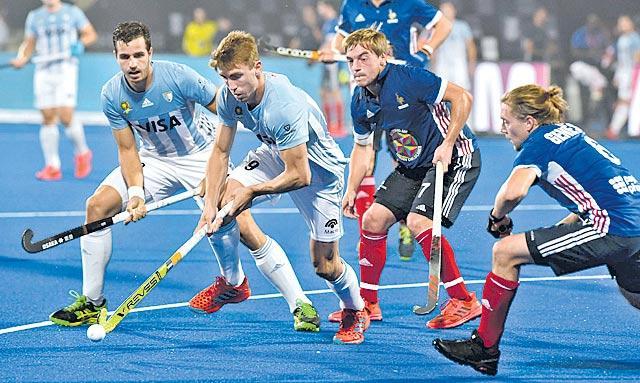 France stuns Argentina 5-3 - Sakshi