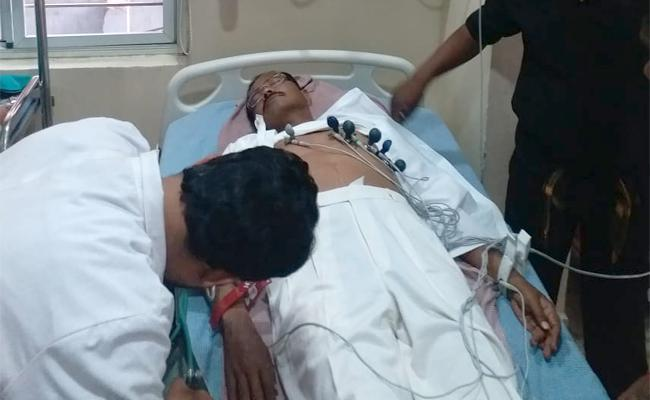 Motkupalli Narasimhulu Hospitalized - Sakshi
