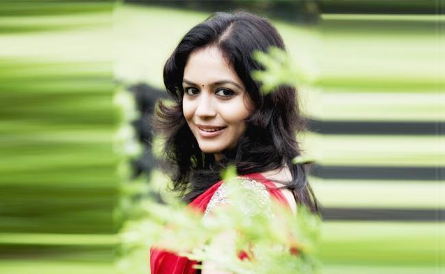 Singer Sunitha Programme Stopped Srikakulam Police - Sakshi