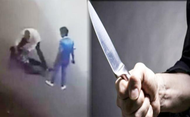 Knife Attack in Tamil nadu Police Station - Sakshi