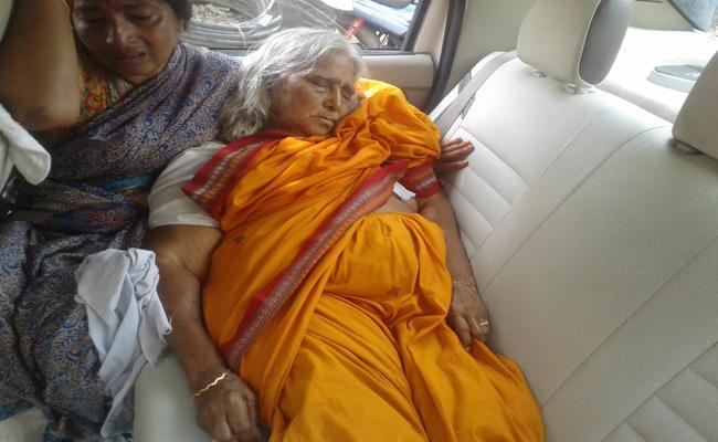 doctors negligence elderly woman died - Sakshi