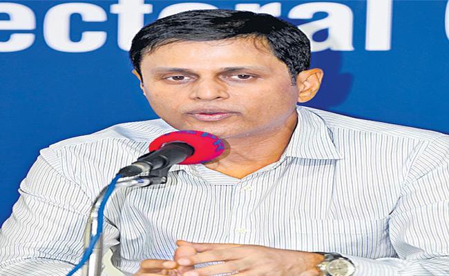 EC Ranjit Kumar Announced The Polling Percentage - Sakshi