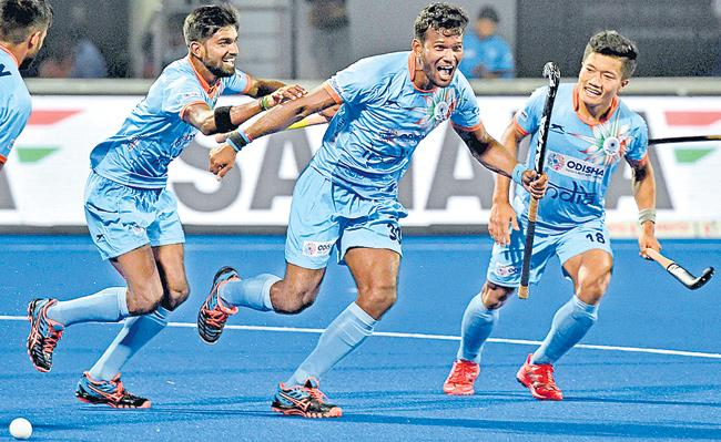 Hockey World Cup 2018: India maul Canada 5-1 to book quarterfinal berth  - Sakshi