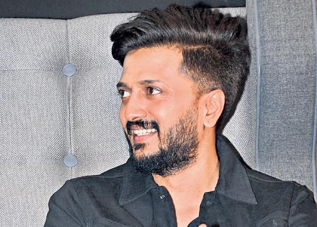 Janhvi Kapoor Will Be Seen In The Biopic Of Gunjan Saxena - Sakshi