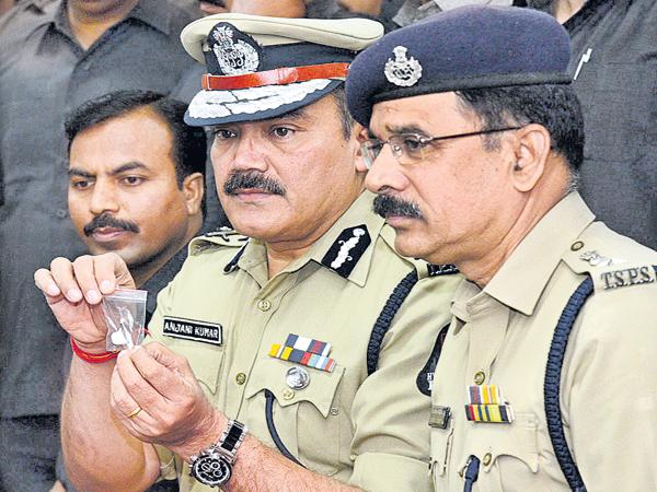 Drugs to City for New Year Eve - Sakshi