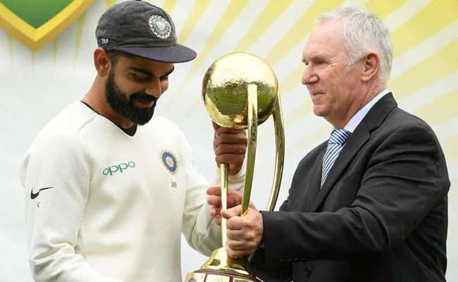 Virat Kohli lifting trophy brought tears to Sunil Gavaskars eyes - Sakshi