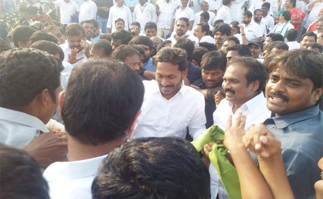 East Godavari Leaders Support to YS Jagan in Praja Sankalpa Yatra - Sakshi