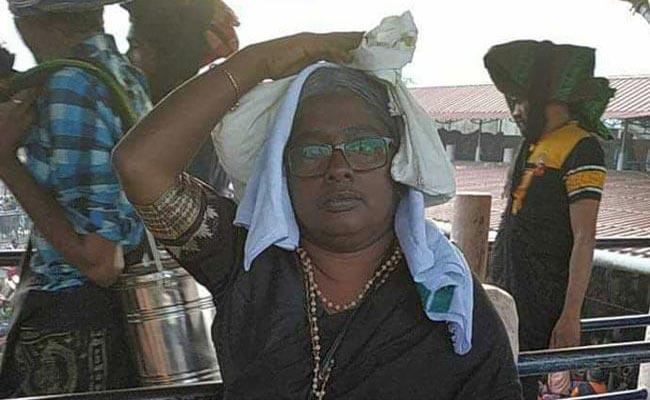 36 Years Old Kerala Woman Enter Sabarimala By Dyes Hair Grey - Sakshi