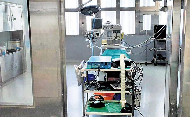 Led Lights Fail Again in Nims Stops Surgery Treatments - Sakshi